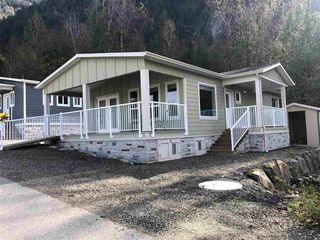 "Main Photo: 71 53480 BRIDAL FALLS Road in Rosedale: Rosedale Popkum Manufactured Home for sale in ""BRIDAL FALLS Gated Community"" : MLS®# R2435298"