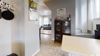 Photo 6: 124 Witney Avenue South in Saskatoon: Meadowgreen Residential for sale : MLS®# SK806639