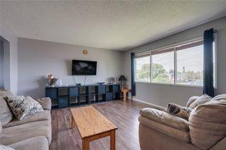Photo 4: 6811 29 Avenue NE in Calgary: Pineridge Detached for sale : MLS®# C4303383