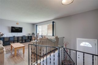 Photo 3: 6811 29 Avenue NE in Calgary: Pineridge Detached for sale : MLS®# C4303383
