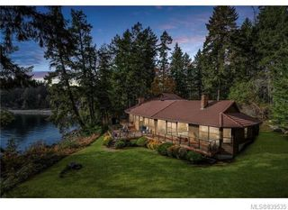Photo 1: 3934 Shell Beach Rd in Ladysmith: Du Ladysmith Single Family Detached for sale (Duncan)  : MLS®# 839535