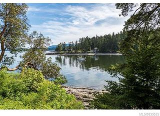 Photo 3: 3934 Shell Beach Rd in Ladysmith: Du Ladysmith Single Family Detached for sale (Duncan)  : MLS®# 839535