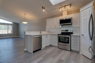 Photo 3: 350 PRESTWICK Circle SE in Calgary: McKenzie Towne Detached for sale : MLS®# A1029384
