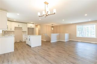 Photo 5: 7 Dominic Drive in La Broquerie: R16 Residential for sale : MLS®# 202027630