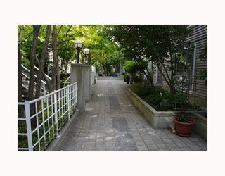 "Photo 10: 204 789 W 16TH Avenue in Vancouver: Fairview VW Condo for sale in ""SIXTEEN WILLOWS"" (Vancouver West)  : MLS®# V786069"