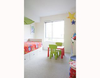 """Photo 8: 204 789 W 16TH Avenue in Vancouver: Fairview VW Condo for sale in """"SIXTEEN WILLOWS"""" (Vancouver West)  : MLS®# V786069"""