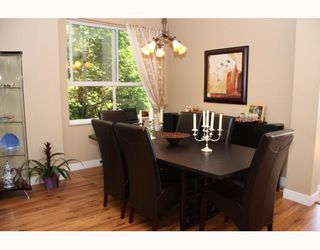 "Photo 5: 224 1465 PARKWAY Boulevard in Coquitlam: Westwood Plateau Townhouse for sale in ""SILVER OAKS"" : MLS®# V787781"