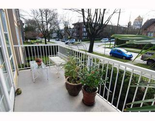 "Photo 10: 208 611 W 13TH Avenue in Vancouver: Fairview VW Condo for sale in ""TIFFANY COURT"" (Vancouver West)  : MLS®# V810413"