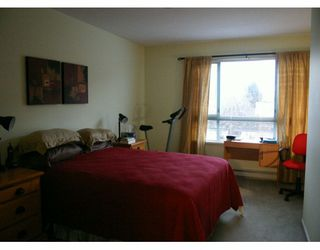 "Photo 6: 209 223 MOUNTAIN HY in North Vancouver: Lynnmour Condo for sale in ""MOUNTAIN VILLAGE"" : MLS®# V569856"