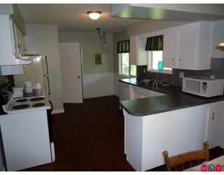 "Photo 4: 45601 FERNWAY Avenue in Chilliwack: Chilliwack N Yale-Well House for sale in ""CHILLIWACK N YALE-WELL"" : MLS®# H2901798"