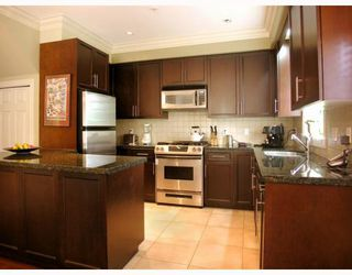 """Photo 2: 2251 CAROLINA Street in Vancouver: Mount Pleasant VE Townhouse for sale in """"CAROLINA ON 7TH"""" (Vancouver East)  : MLS®# V766943"""