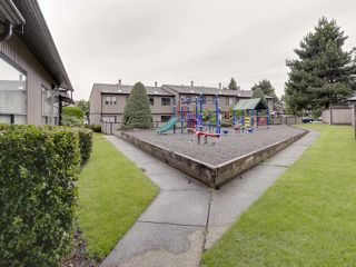 "Photo 6: 100 27044 32 Avenue in Langley: Aldergrove Langley Townhouse for sale in ""BERTRAND ESTATES"" : MLS®# R2466036"