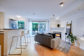 "Photo 8: 220 678 W 7TH Avenue in Vancouver: Fairview VW Townhouse for sale in ""LIBERTE"" (Vancouver West)  : MLS®# R2496793"