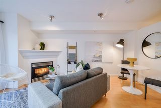 "Photo 9: 220 678 W 7TH Avenue in Vancouver: Fairview VW Townhouse for sale in ""LIBERTE"" (Vancouver West)  : MLS®# R2496793"