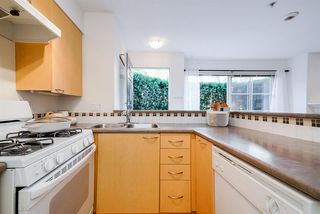 "Photo 12: 220 678 W 7TH Avenue in Vancouver: Fairview VW Townhouse for sale in ""LIBERTE"" (Vancouver West)  : MLS®# R2496793"