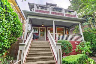 """Photo 2: 1642 CHARLES Street in Vancouver: Grandview Woodland House for sale in """"""""The Drive"""""""" (Vancouver East)  : MLS®# R2512942"""