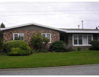 "Main Photo: 488 SHANNON Way in Tsawwassen: Pebble Hill House for sale in ""TSAWWASSEN HEIGHTS"" : MLS®# V787219"