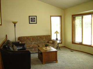 Photo 4: 3 SAND POINT Bay in WINNIPEG: Transcona Residential for sale (North East Winnipeg)  : MLS®# 1016848