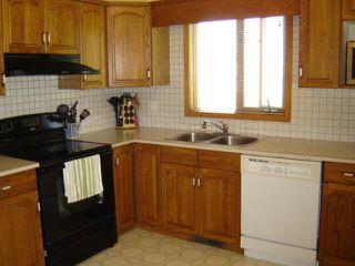 Photo 8: 3 SAND POINT Bay in WINNIPEG: Transcona Residential for sale (North East Winnipeg)  : MLS®# 1016848