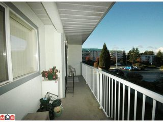 "Photo 4: 203 33225 OLD YALE Road in Abbotsford: Central Abbotsford Condo for sale in ""CEDAR GROVE ESTATES"" : MLS®# F1028753"