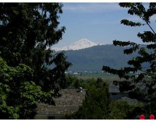 """Photo 3: 2236 VILLAGE Glen in Abbotsford: Abbotsford East House for sale in """"Mountain Village"""" : MLS®# F2826240"""