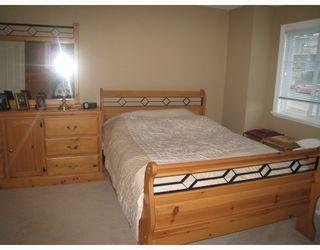 Photo 8: 1054 DELESTRE Avenue in Coquitlam: Maillardville House 1/2 Duplex for sale : MLS®# V750137