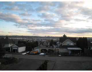 Photo 10: 1054 DELESTRE Avenue in Coquitlam: Maillardville House 1/2 Duplex for sale : MLS®# V750137
