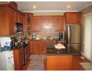 Photo 6: 1054 DELESTRE Avenue in Coquitlam: Maillardville House 1/2 Duplex for sale : MLS®# V750137