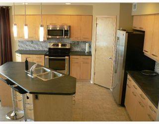 Photo 2: 151 THORN Drive in WINNIPEG: West Kildonan / Garden City Residential for sale (North West Winnipeg)  : MLS®# 2908151