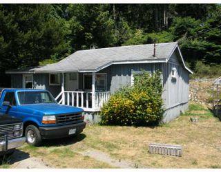 Main Photo: 4604 WHITAKER Road in Sechelt: Sechelt District House for sale (Sunshine Coast)  : MLS®# V775412