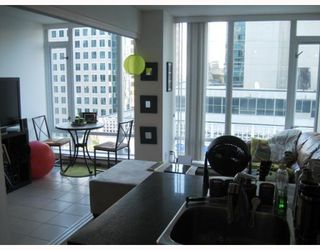 "Photo 2: 908 610 GRANVILLE Street in Vancouver: Downtown VW Condo for sale in ""Hudson"" (Vancouver West)  : MLS®# V776194"