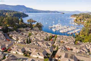Photo 1: 612 6880 Wallace Drive in BRENTWOOD BAY: CS Brentwood Bay Row/Townhouse for sale (Central Saanich)  : MLS®# 417467