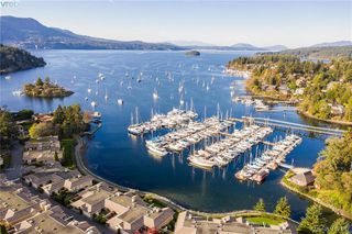 Photo 2: 612 6880 Wallace Drive in BRENTWOOD BAY: CS Brentwood Bay Row/Townhouse for sale (Central Saanich)  : MLS®# 417467