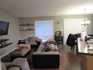 Photo 5: 10, 20 Norman Court in St. Albert: House Duplex for rent