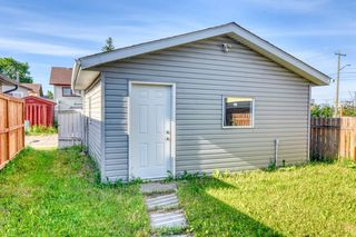 Photo 5: 35 Whitmire Road NE in Calgary: Whitehorn Detached for sale : MLS®# A1010209