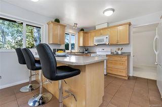 Photo 11: 1209 Camas Crt in Saanich: SE Lake Hill Single Family Detached for sale (Saanich East)  : MLS®# 844776