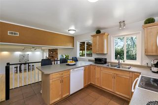 Photo 7: 1209 Camas Crt in Saanich: SE Lake Hill Single Family Detached for sale (Saanich East)  : MLS®# 844776