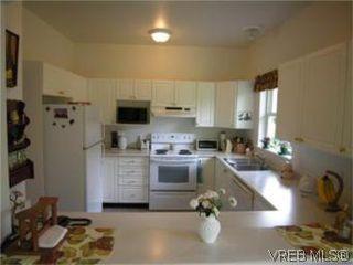 Photo 3: 12 3633 Cedar Hill Road in VICTORIA: SE Cedar Hill Townhouse for sale (Saanich East)  : MLS®# 268611