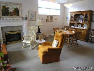 Photo 2: 12 3633 Cedar Hill Road in VICTORIA: SE Cedar Hill Townhouse for sale (Saanich East)  : MLS®# 268611