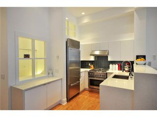 "Photo 6: 104 1811 W 16TH Avenue in Vancouver: Kitsilano Condo for sale in ""CEDAR MEWS"" (Vancouver West)  : MLS®# V828177"