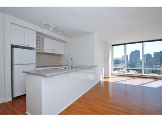 "Photo 4: 1102 668 CITADEL PARADE in Vancouver: Downtown VW Condo for sale in ""SPECTRUM 2"" (Vancouver West)  : MLS®# V841123"