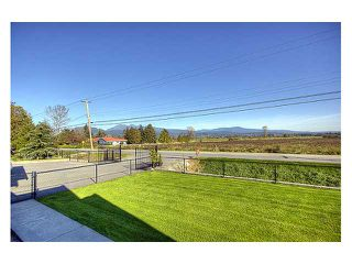 Photo 10: 13489 NEAVES Road in Pitt Meadows: North Meadows PI House for sale : MLS®# V861430