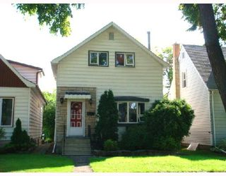 Photo 1: 839 SPRUCE Street in WINNIPEG: West End / Wolseley Residential for sale (West Winnipeg)  : MLS®# 2816908