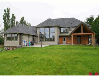 Photo 10: 23216 34A Avenue in Langley: Campbell Valley House for sale : MLS®# F2830376