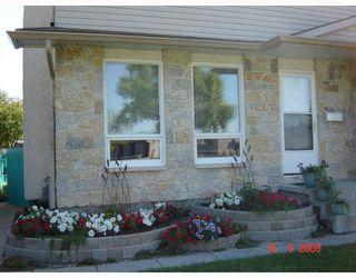 Photo 2: 56 JOHN FORSYTH Road in WINNIPEG: St Vital Residential for sale (South East Winnipeg)  : MLS®# 2821162