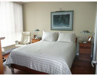 "Photo 6: 1005 1575 W 10TH Avenue in Vancouver: Fairview VW Condo for sale in ""TRITON ON 10TH"" (Vancouver West)  : MLS®# V764989"