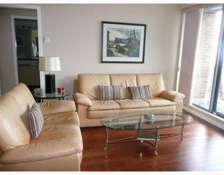 "Photo 3: 1005 1575 W 10TH Avenue in Vancouver: Fairview VW Condo for sale in ""TRITON ON 10TH"" (Vancouver West)  : MLS®# V764989"