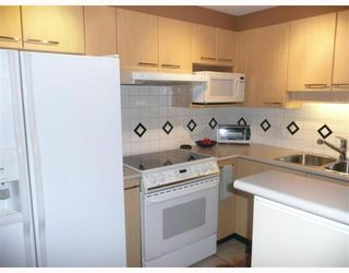 "Photo 4: 1005 1575 W 10TH Avenue in Vancouver: Fairview VW Condo for sale in ""TRITON ON 10TH"" (Vancouver West)  : MLS®# V764989"