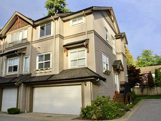 Main Photo: 53 12677 63 Avenue in Surrey: Panorama Ridge Townhouse for sale : MLS®# R2410598