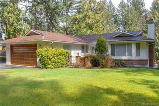 Photo 1: 2675 Cameron-Taggart Rd in MILL BAY: ML Mill Bay House for sale (Malahat & Area)  : MLS®# 836995